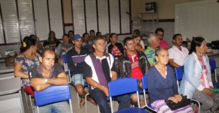 Aquisição de alimentos para a produção da merenda escolar é discutida durante reunião