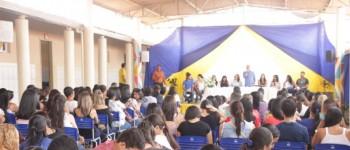 Prefeitura e Undime discutem implementação da Base Nacional Comum Curricular em Lagoa da Canoa